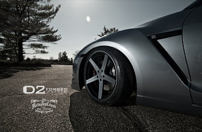 D2 Forged CV2′s w/ 21x10 Fr-165/35R21 and 21x11.5 Rr-305/30-21 Tires