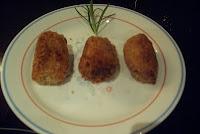 Croquetas de pollo y jamón con crujiente de pan Panko
