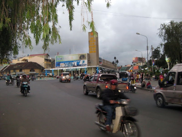 Shopping at the Da Lat market