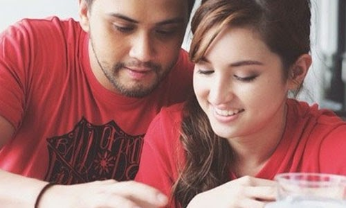 The in love singer/actor and host Billy Crawford gamely played the scene in the box-office hit movie 'Starting Over Again,' with his co-host and real-life girlfriend Coleen Garcia. Billy Crawford proposed to Coleen Garcia in a stage drama.