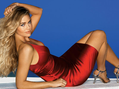 Denise Richards Hollywood HD Wallpaper-1600x1200-91