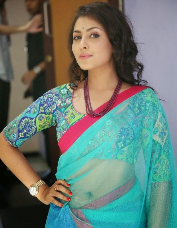Madhu Shalini hot exposing navel  photos