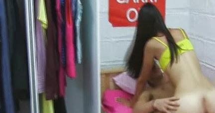 Banyoda ablasını siken acımasız kardeş  Sürpriz Porno Hd