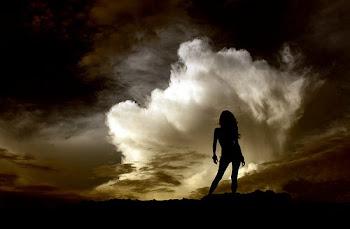 también he venido a permanecer/en la esperanza/y a sentir que donde fueras