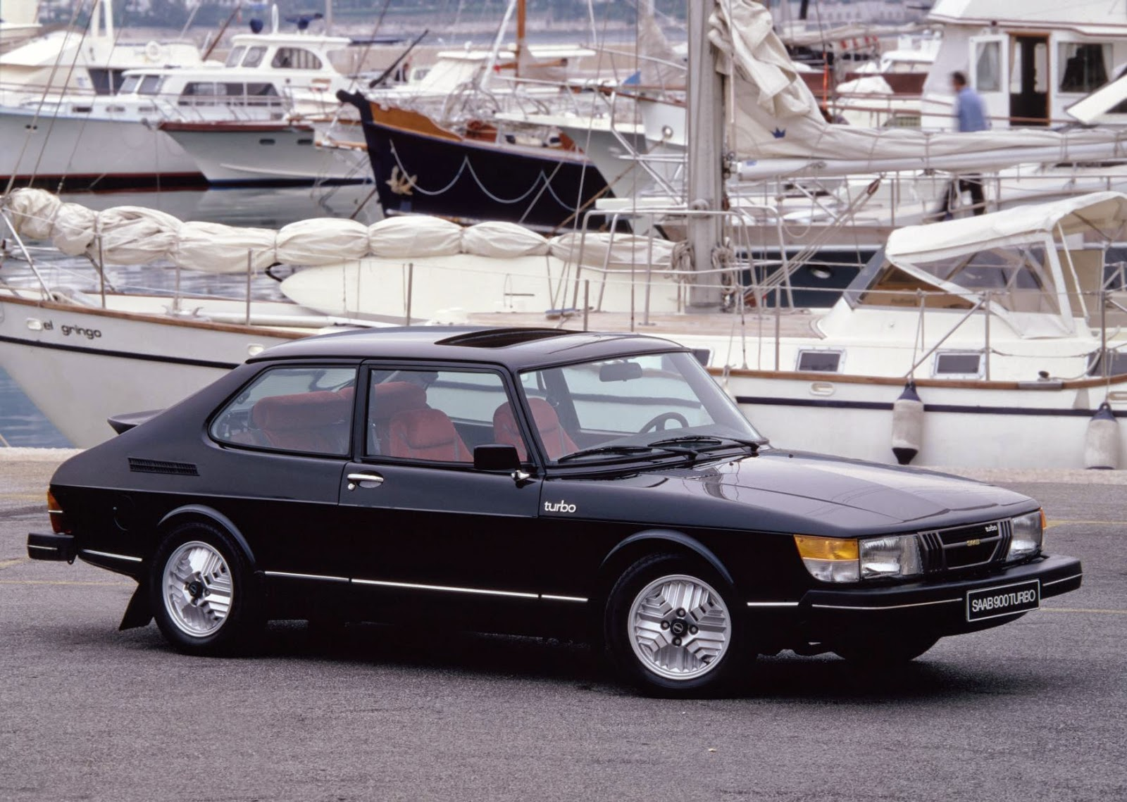 An early Saab 900 Turbo