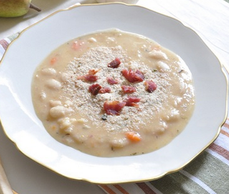 Creamy White Bean & Bacon Soup