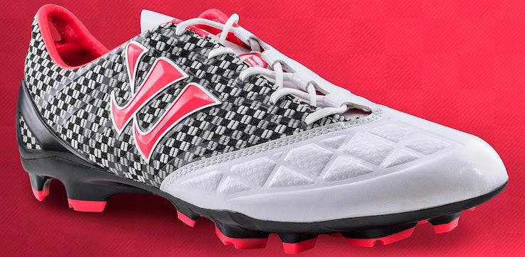Nuevos botines Warrior Gambler grises y rosa que usará Fellaini y Jonás Gutierrez