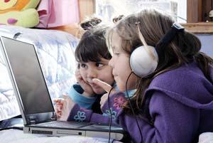 Anak akses internet