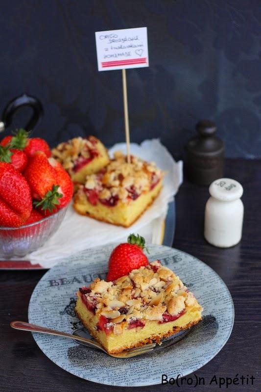 Przepis na ciasto drożdżowe z truskawkami