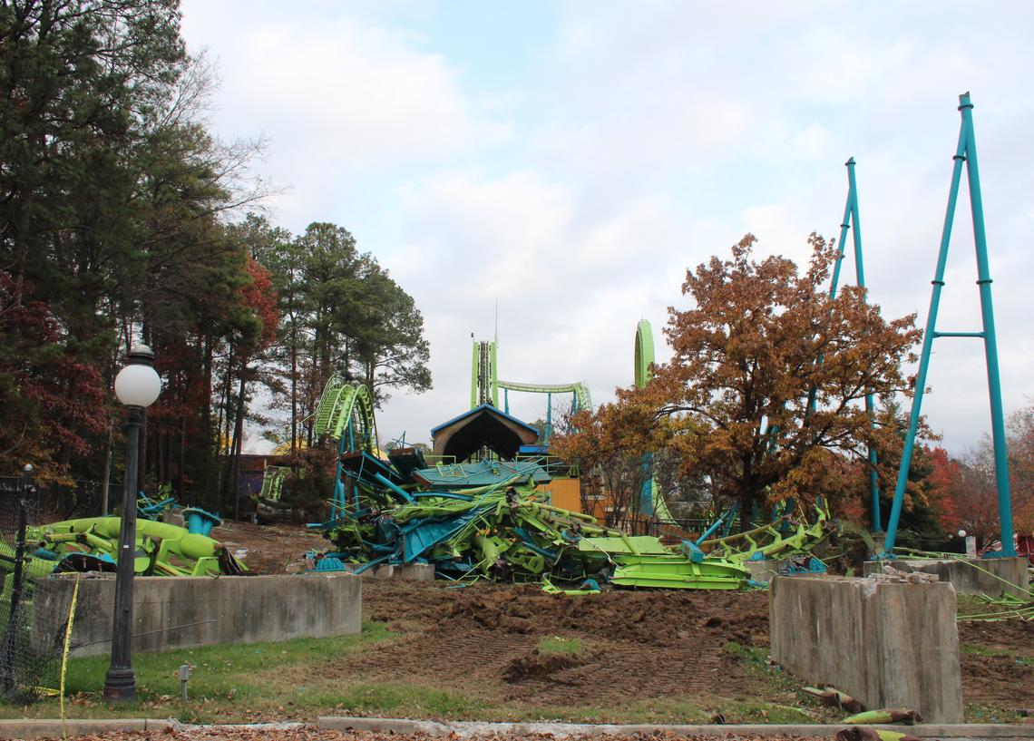 Roller Coaster Demolition : Newsplusnotes kings dominion shares shockwave demolition