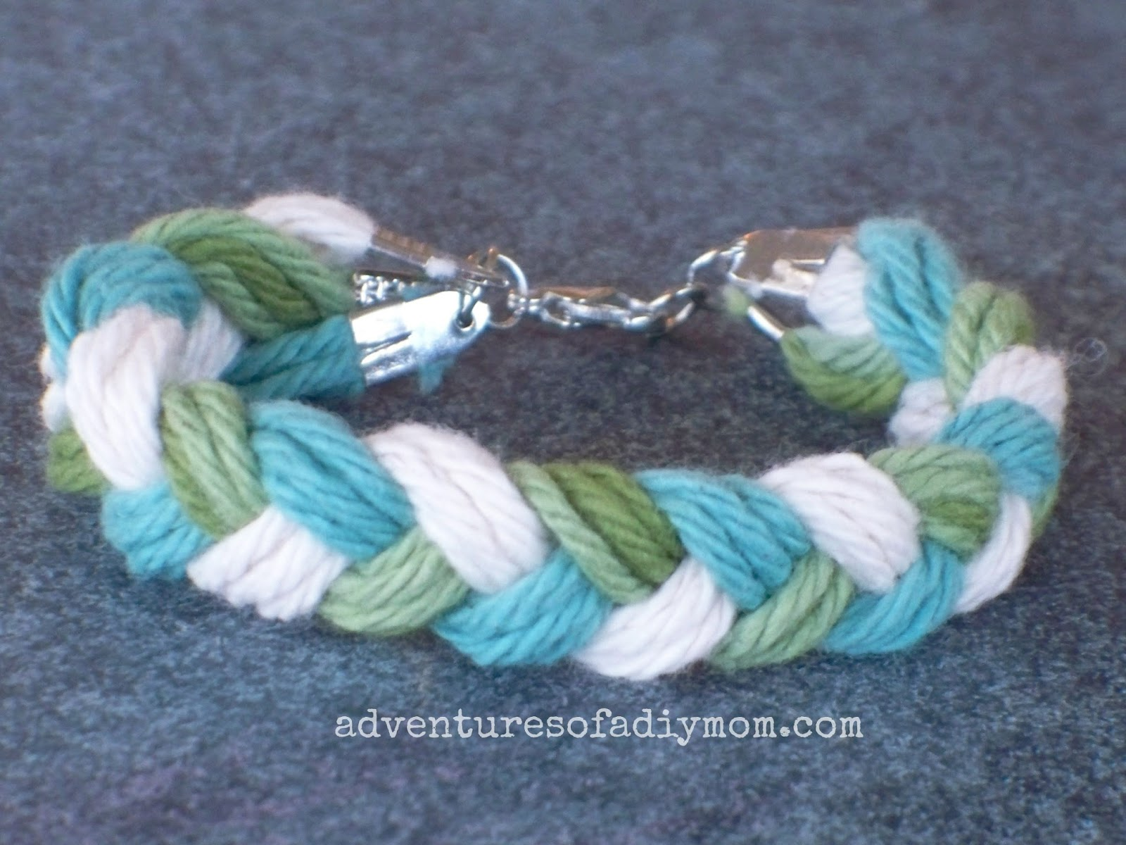 Braided yarn Friendship Bracelet Sugar 'n Cream  Emerald Isle