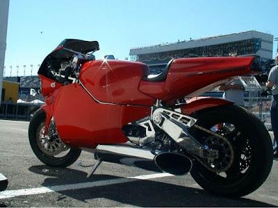MTT Turbine Superbike Y2K :370kph