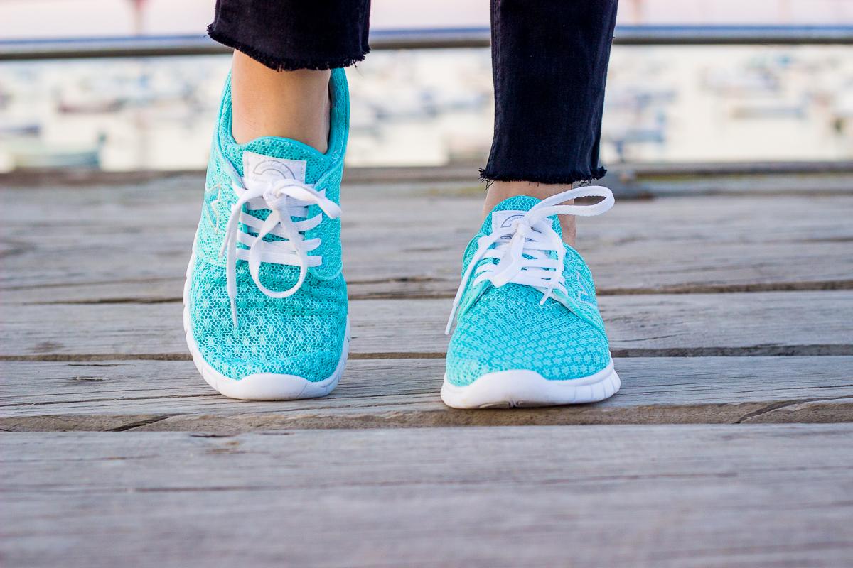 yumas run sneakers