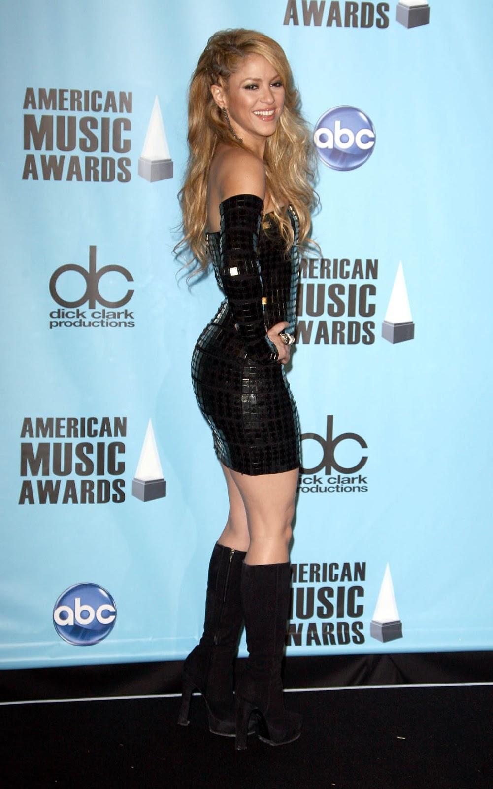 Shakira Shakira Hot Leg