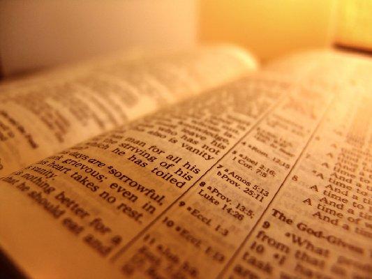 Las grandes contradicciones entre la religión católica romana y la biblia