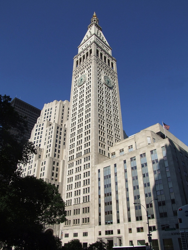 New picture of the Metropolitan Life Tower, New York City