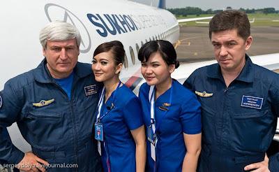 Foto Pramugari Sexy Pesawat Sukhoi Superjet 100