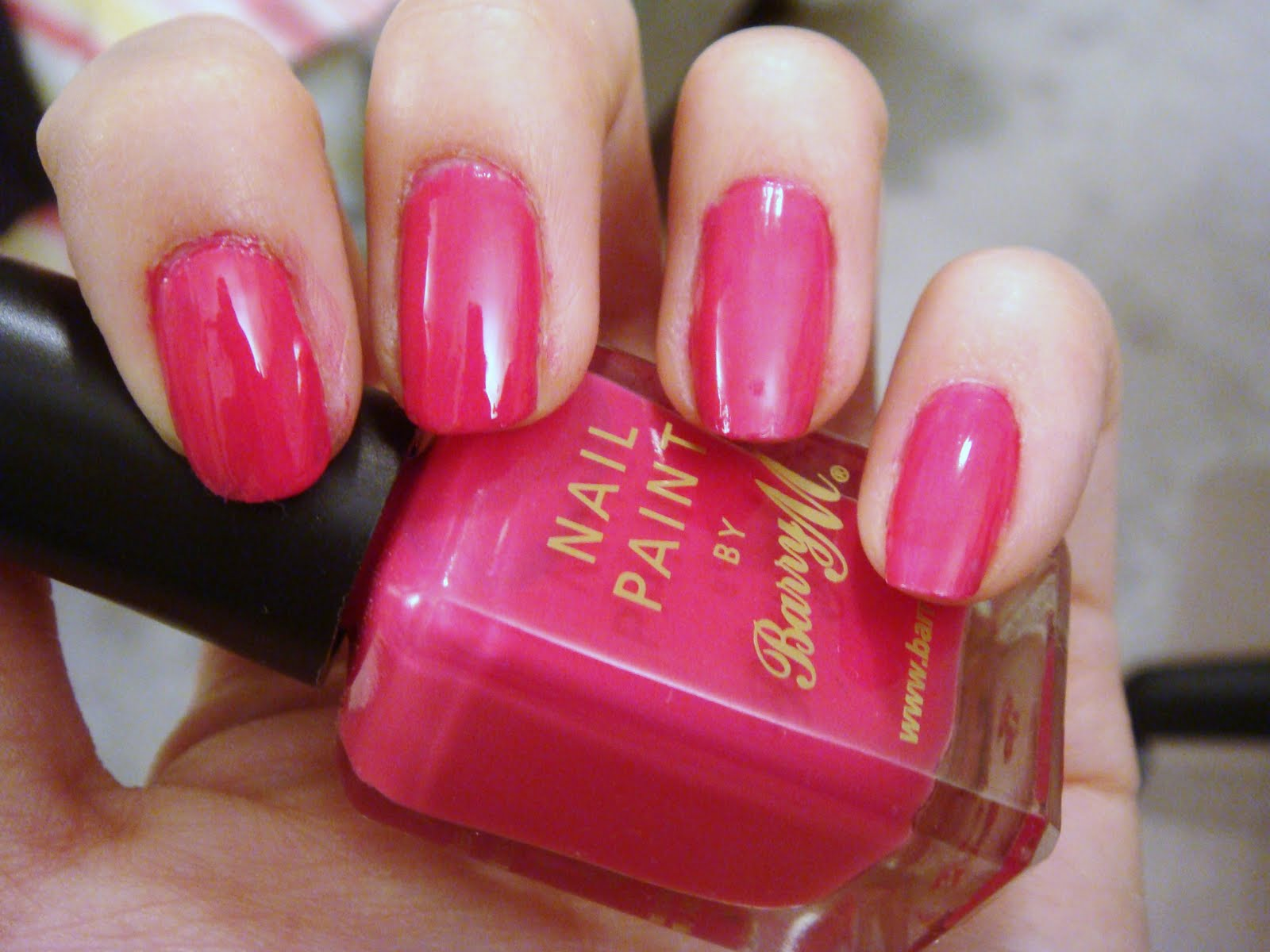 Nail Paint in Shocking Pink