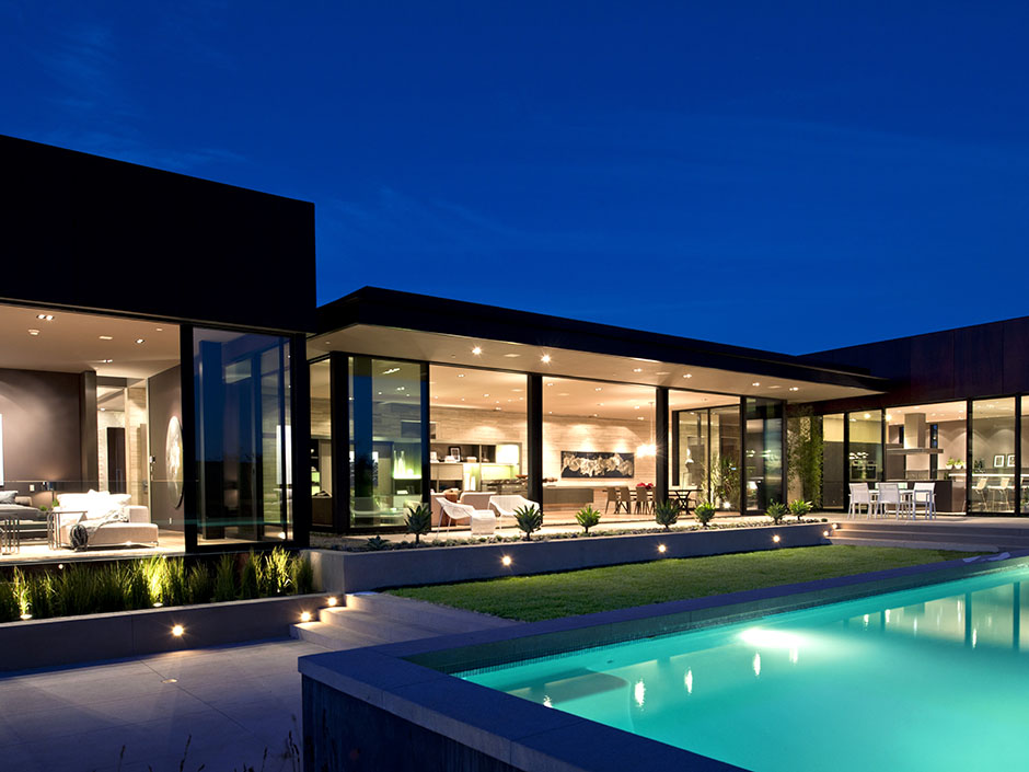 Modern cabinet sunset strip luxury modern house with for Modern house design los angeles