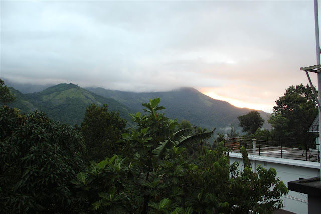 Sunrise at Munnar