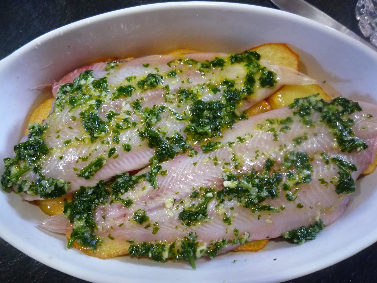 Cocinando con lola garc a lenguado al horno con patatas - Lenguado al microondas ...