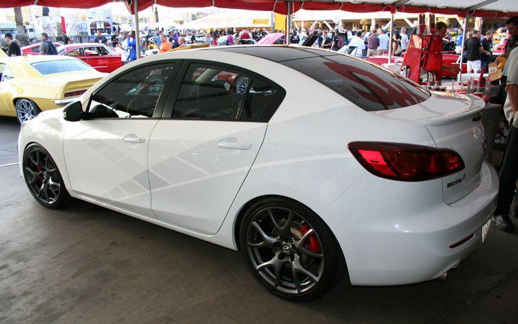 Car Magazine Mazda 3