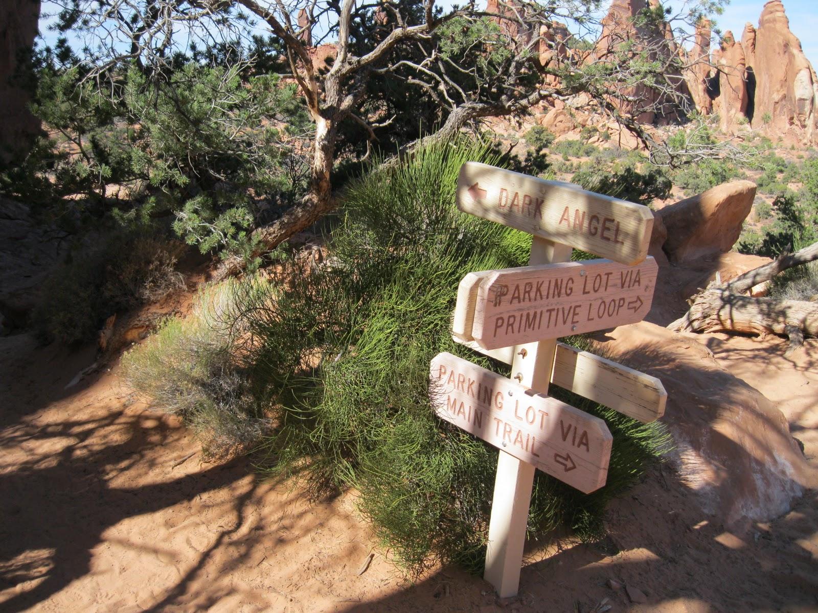 Four Corners Hikes-Arches National Park: Dark Angel Trail-Devils Garden