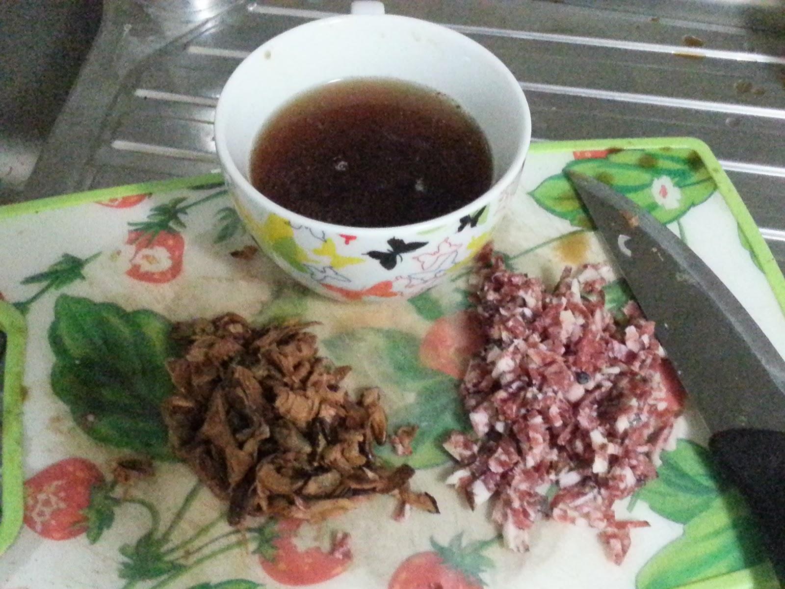 Desperate house cooker fregola con porcini zafferano e salame al barolo di virz - Funghi secchi a bagno ...