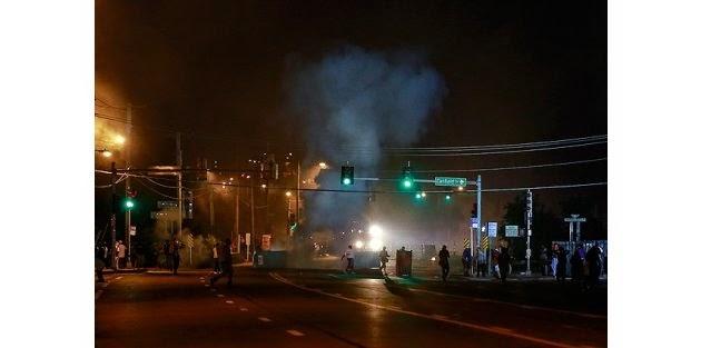 Çanlar ABD için çalıyor! Gösterilerde 2 polis öldürüldü!