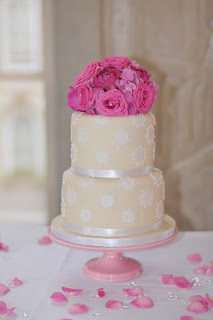 2 tier cream wedding cake with pink bouquet flowers tutorial