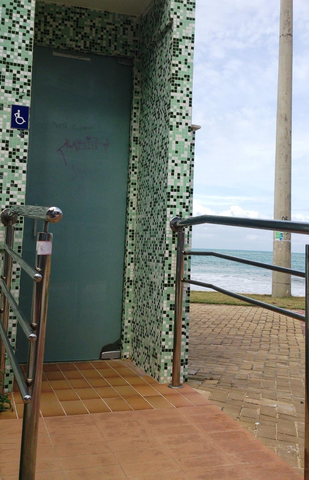 Banheiro adaptado na praia do Morro #336098 1031x1600 Banheiro Adaptado Cadeirante