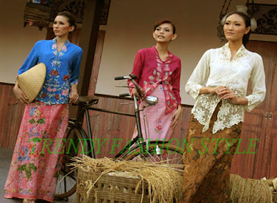 GET KNOW THE ORIGIN OF THE JAVANESE CULTURE CLOTHING