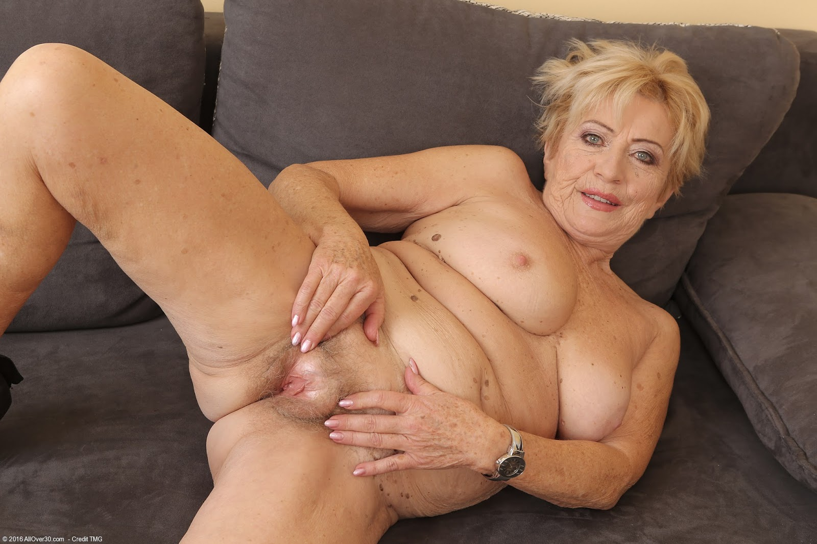 granddaughter with hand on grandmothers naked cunt - miyabi porn