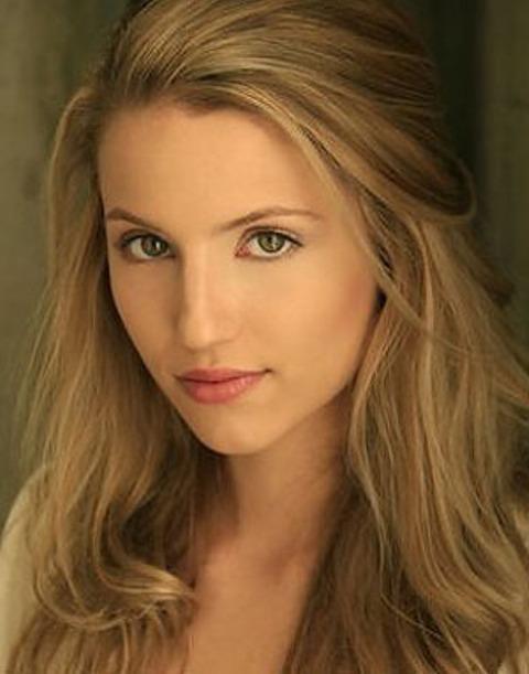 Dianna-Agron-as-Sarah-i-am-number-four-13783016-300-382.jpg I Am Number Four Movie Sarah