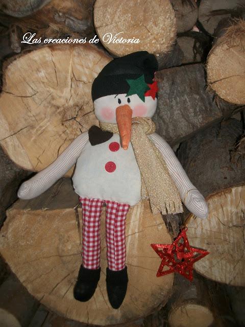 Las creaciones de Victoria.Adornos de Navidad.Muñeco de nieve tela