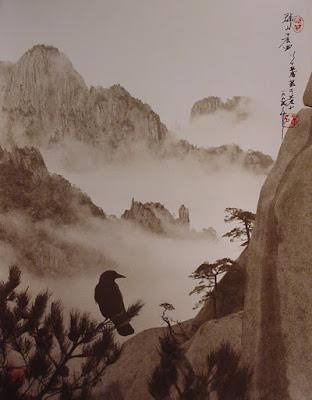 Fotografía de Don Hong Oai: cuervo y montaña