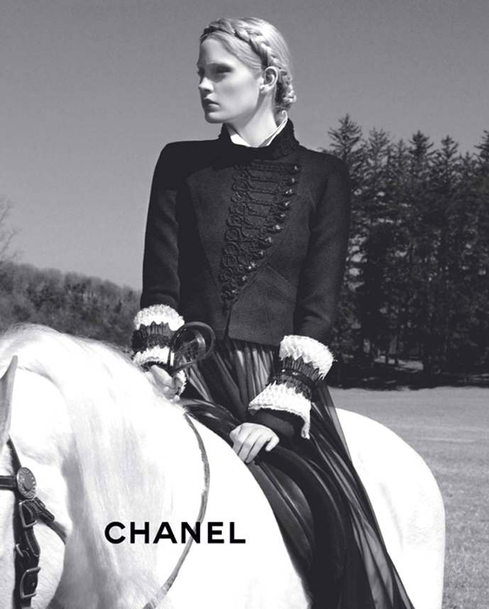 Chanel Fall/Winter 2009 campaign (photography: Karl Lagerfeld) via fashioned by love british fashion blog