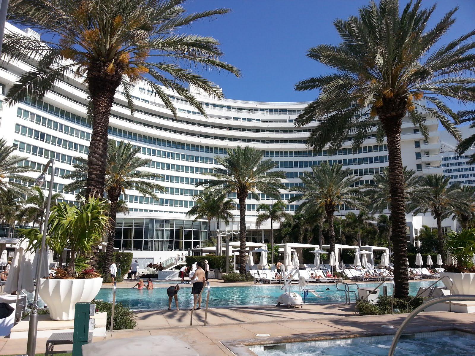 Voyage dans le sud de la floride carnet pratique le - Hotel fontainebleau piscine ...