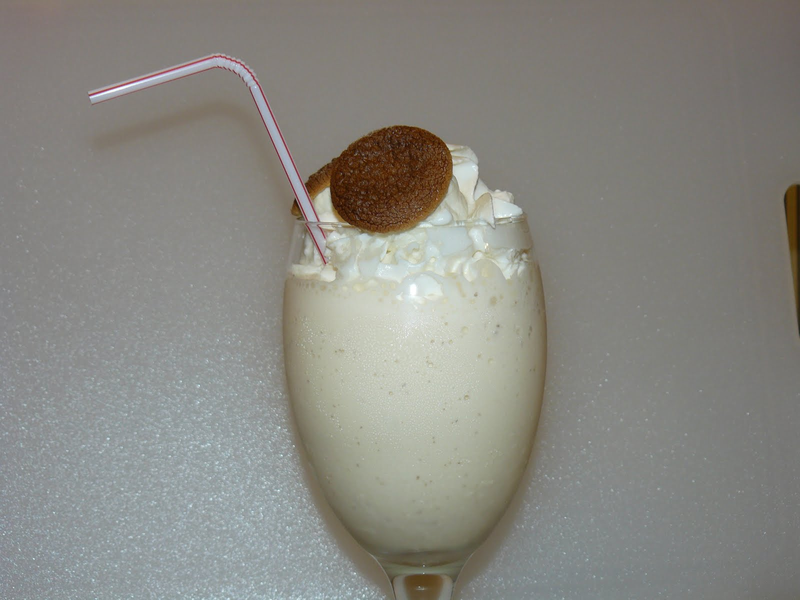 HOMEMADE TOASTED MARSHMALLOW MILKSHAKE