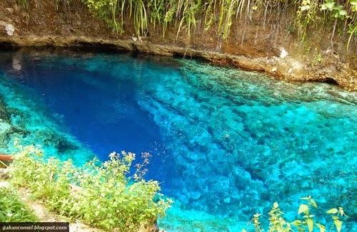 Aneh Air Sungai Berwarna Biru Kejernihan Yang Aliran Airnya Tanpa Sumber