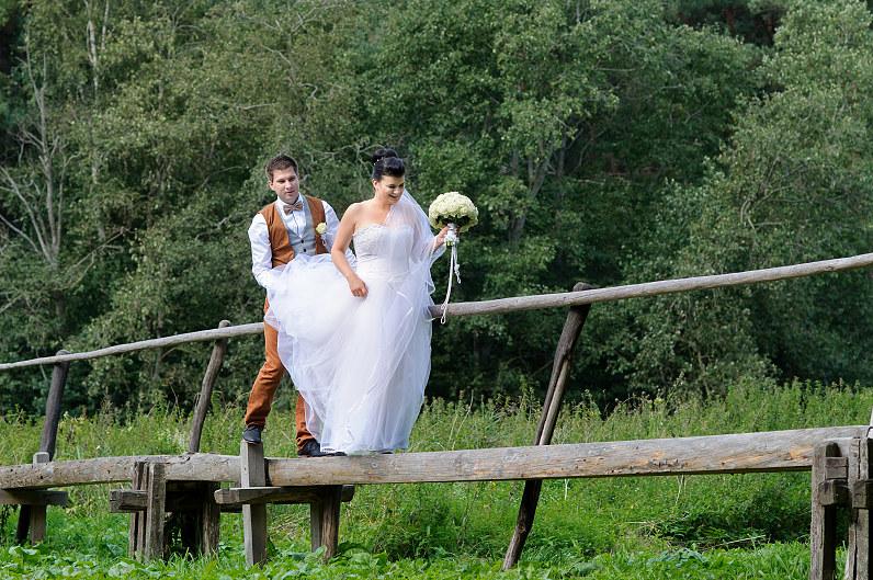 vestuvių fotosesija Kleboniškio buities muziejuje