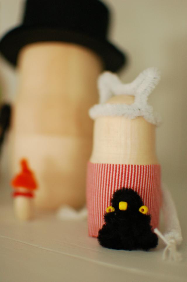 puinen muumimamma / wooden moomin nesting doll