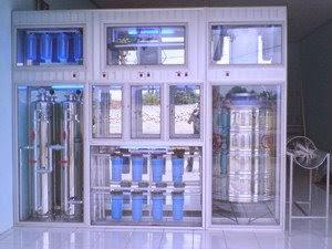 Bisnis Air Isi Ulang Yang Menggiurkan