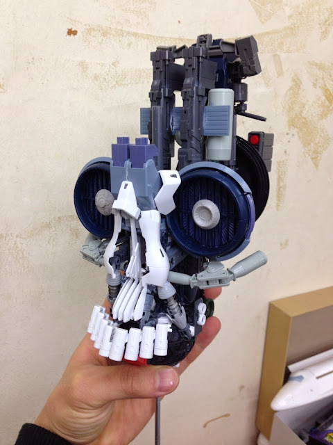 bandai gundam model kits skull head