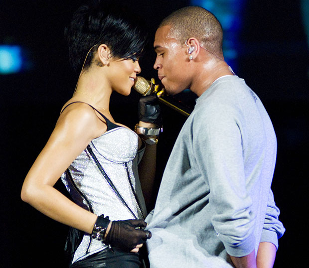 chris brown breaks up with rihanna