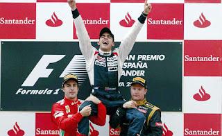 FÓRMULA 1-Maldonado sorprende y Alonso renace