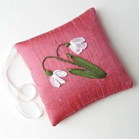 Knitting Ribbon Stitch : Ribbon Embroidery-Knitting Gallery