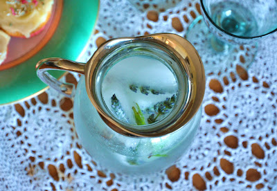 flowery ice cubes to make your day!