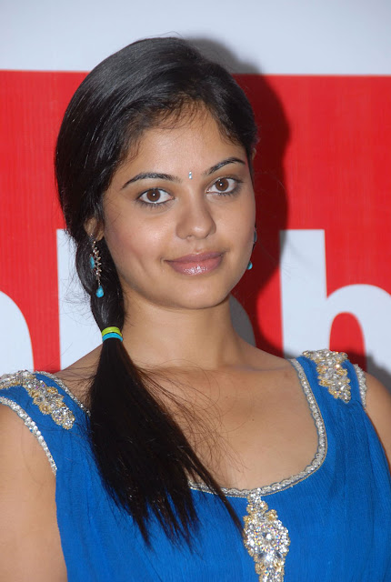 Bindhu Madhavi latest Stills from Celkon Mobiles 1Lakh Sales Celebrations