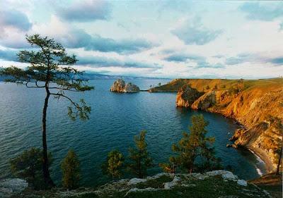 danau terluas di dunia